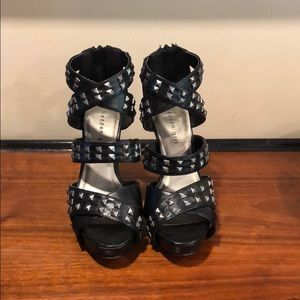 Madden Girl Punky Heel with Studs - Size 6